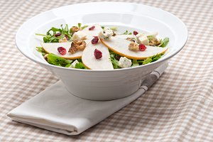 fresh pears arugola and gorgonzola salad 16.jpg