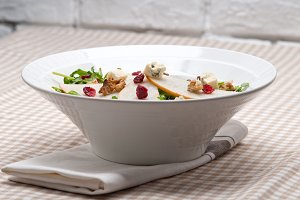 fresh pears arugola and gorgonzola salad 15.jpg