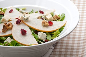fresh pears arugola and gorgonzola salad 17.jpg