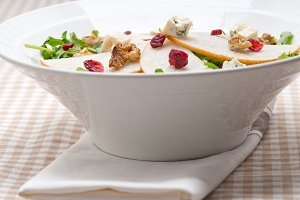 fresh pears arugola and gorgonzola salad 21.jpg
