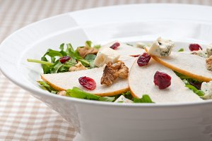 fresh pears arugola and gorgonzola salad 22.jpg