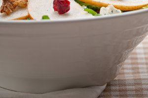 fresh pears arugola and gorgonzola salad 28.jpg