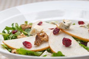 fresh pears arugola and gorgonzola salad 27.jpg