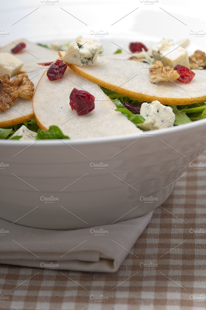 fresh pears arugola and gorgonzola salad 30.jpg - Food & Drink