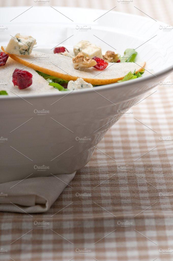fresh pears arugola and gorgonzola salad 29.jpg - Food & Drink