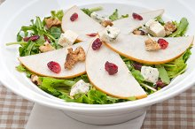 fresh pears arugola and gorgonzola salad 33.jpg