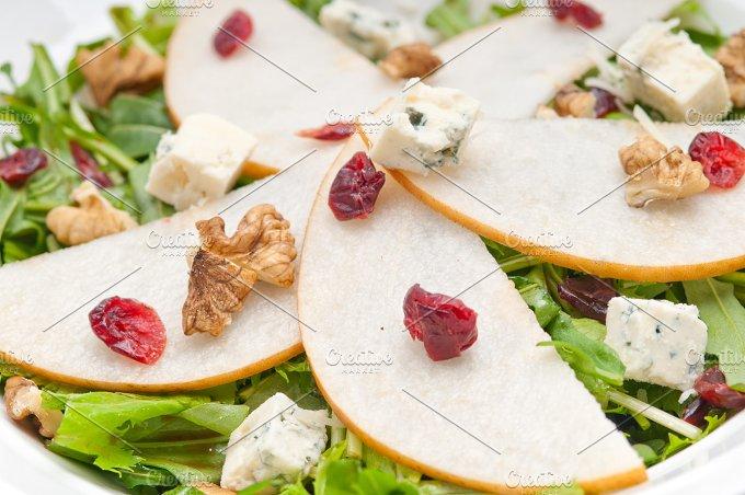 fresh pears arugola and gorgonzola salad 35.jpg - Food & Drink