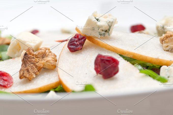 fresh pears arugola and gorgonzola salad 34.jpg - Food & Drink