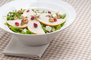 fresh pears arugola and gorgonzola salad 37.jpg