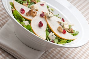 fresh pears arugola and gorgonzola salad 38.jpg