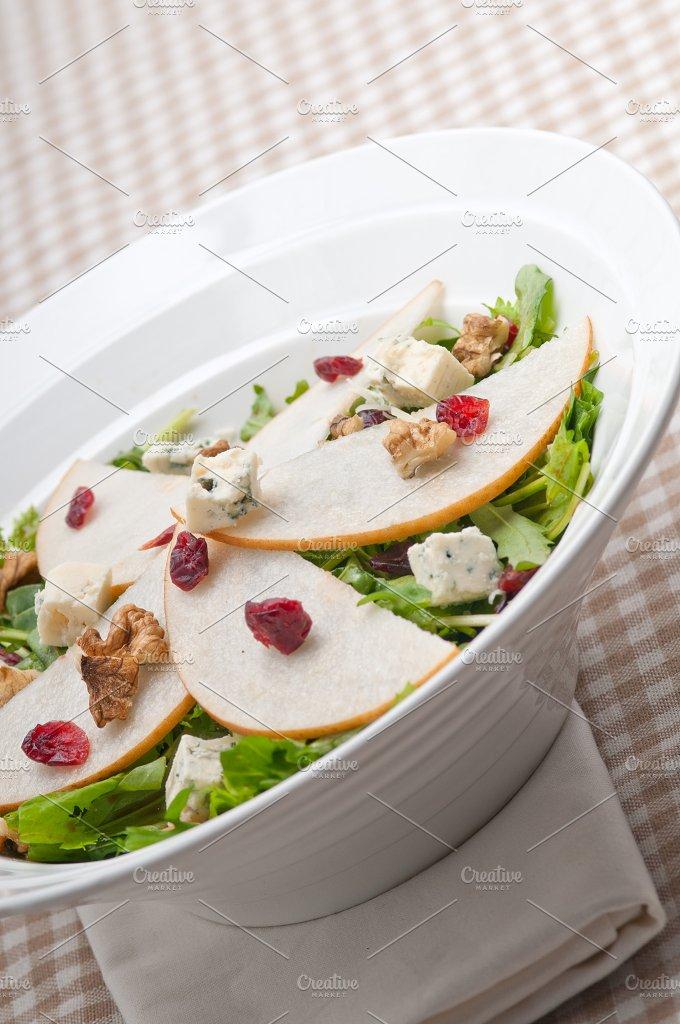 fresh pears arugola and gorgonzola salad 39.jpg - Food & Drink