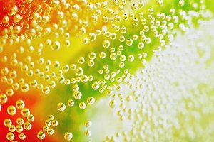 Macro bubbles in lemonade