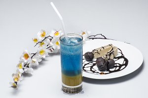 Mint juice and chocolate