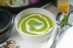 spinach soup 11.jpg