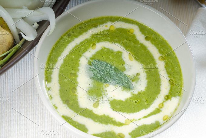spinach soup 15.jpg - Food & Drink