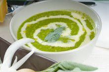spinach soup 17.jpg