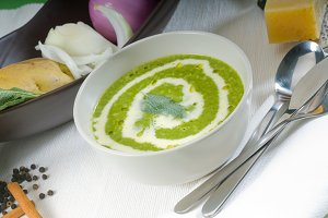 spinach soup 20.jpg