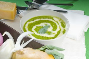 spinach soup 18.jpg
