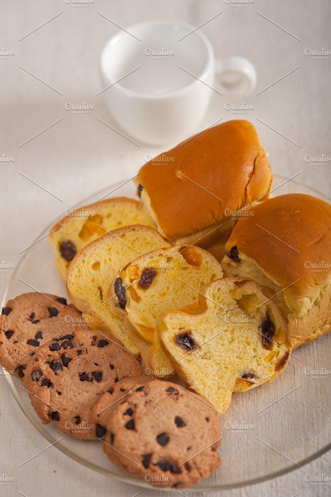 sweet bread 4.jpg - Food & Drink