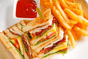 triple deck club sandwich  03.jpg