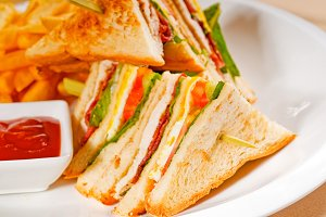 triple deck club sandwich  05.jpg