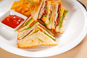 triple deck club sandwich  01.jpg