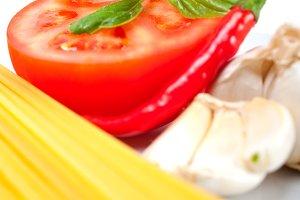 tomato basil spaghetti pasta 06.jpg