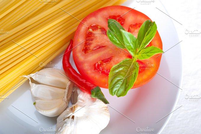 tomato basil spaghetti pasta 13.jpg - Food & Drink