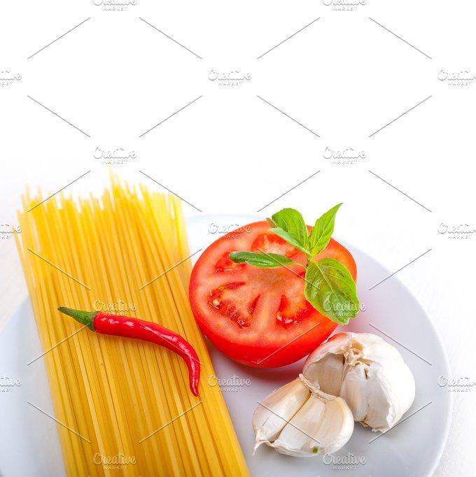 tomato basil spaghetti pasta 16.jpg - Food & Drink