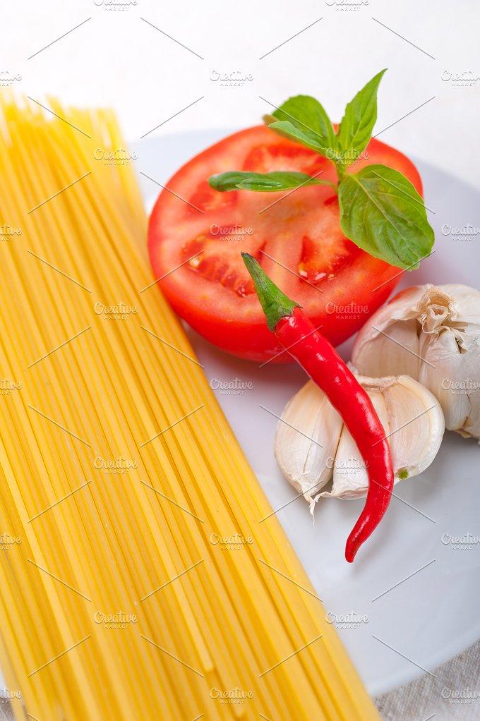 tomato basil spaghetti pasta 18.jpg - Food & Drink