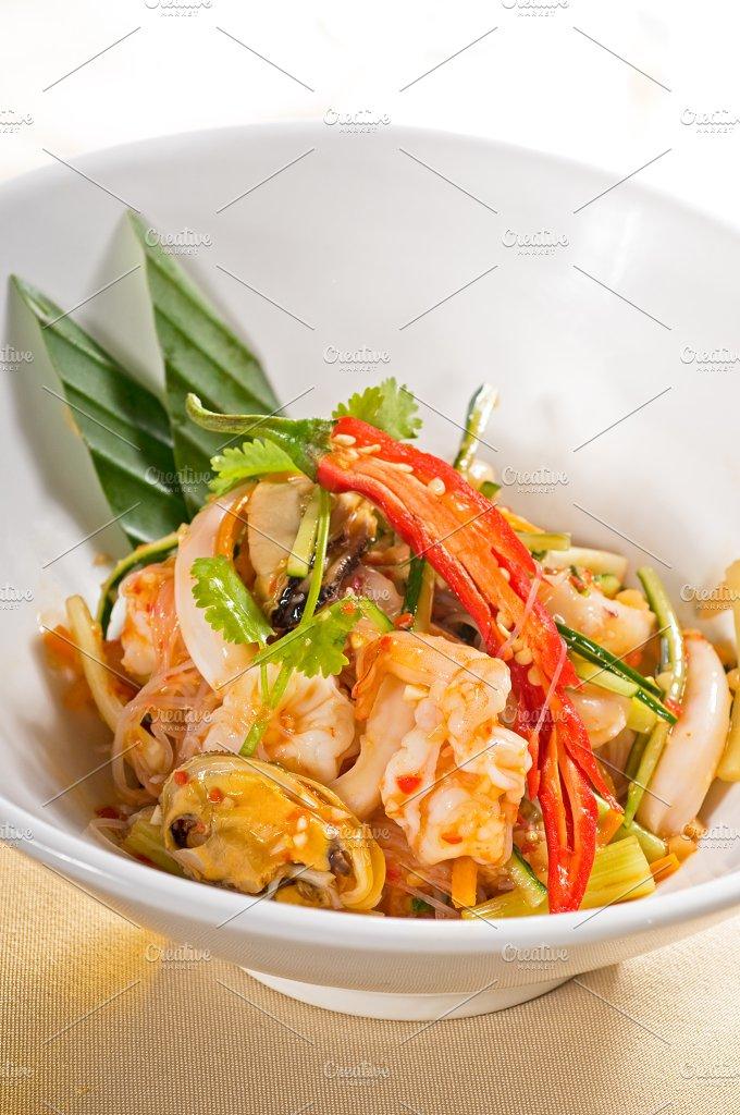 thai seafood salad 02.jpg - Food & Drink