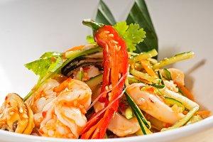 thai seafood salad  06.jpg
