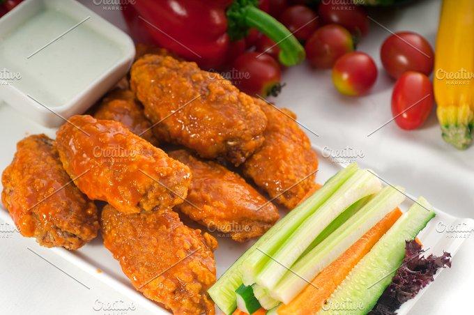 spicy chicken wings and vegetables 05.jpg - Food & Drink