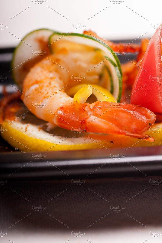 shrimps appetizer snack 05.jpg - Food & Drink