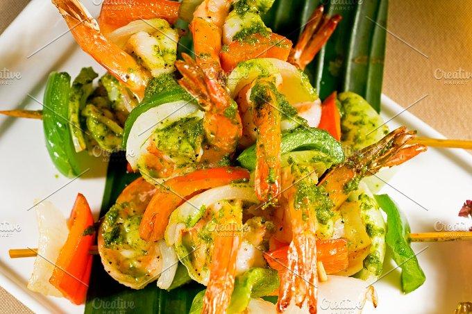 shrimps and vegetables skewers 05.jpg - Food & Drink