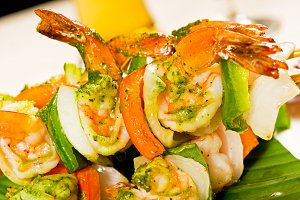 shrimps and vegetables skewers  04.jpg