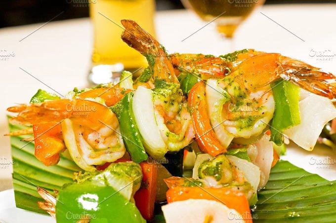 shrimps and vegetables skewers 09.jpg - Food & Drink