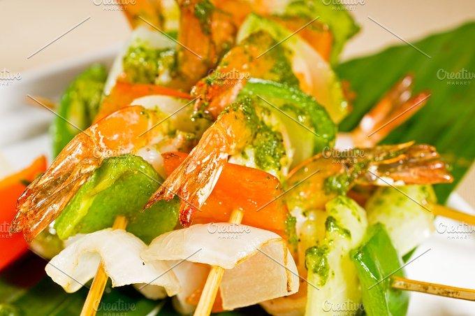 shrimps and vegetables skewers 11.jpg - Food & Drink