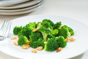 sauteed broccoli and almonds 5.jpg