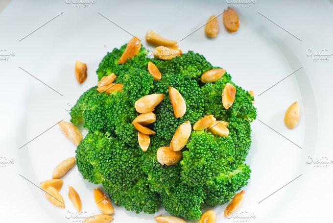 sauteed broccoli and almonds 9.jpg - Food & Drink
