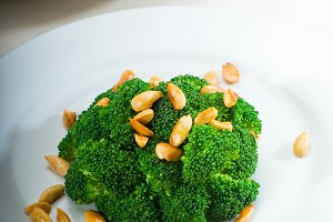 sauteed broccoli and almonds 12.jpg
