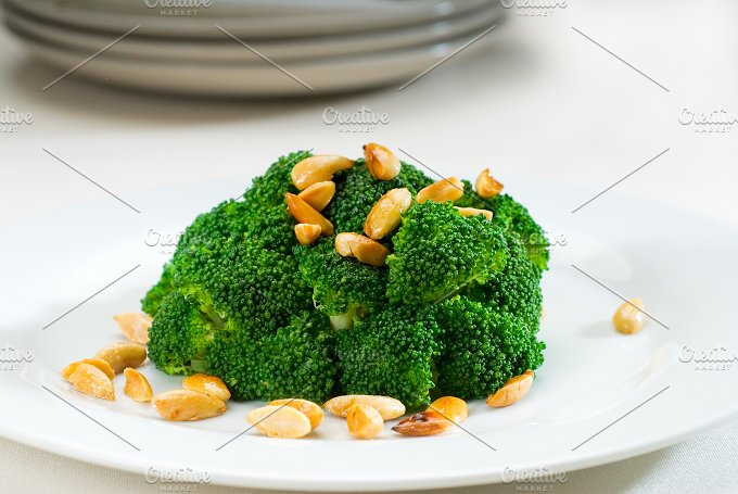 sauteed broccoli and almonds 10.jpg - Food & Drink