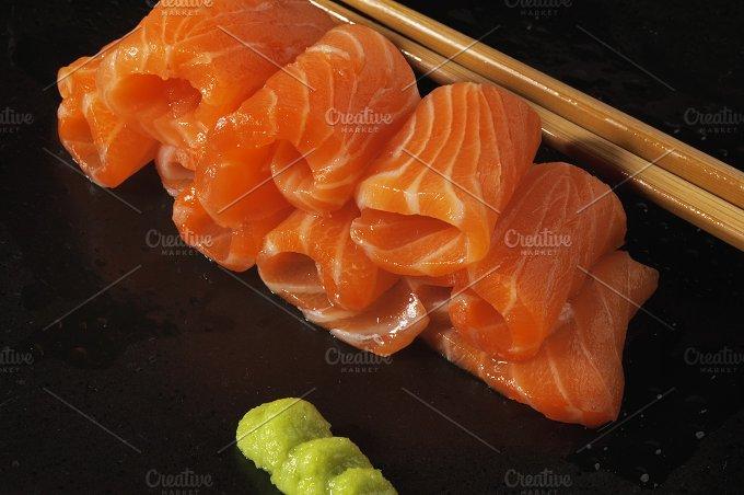 salmon sushi 8.jpg - Food & Drink