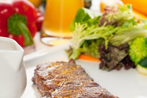 ribeye beef steak with fresh salad 06.jpg