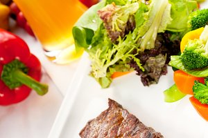 ribeye beef steak with fresh salad 09.jpg
