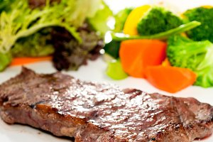 ribeye beef steak with fresh salad 15.jpg