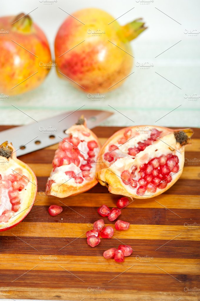 pomegranate 004.jpg - Food & Drink