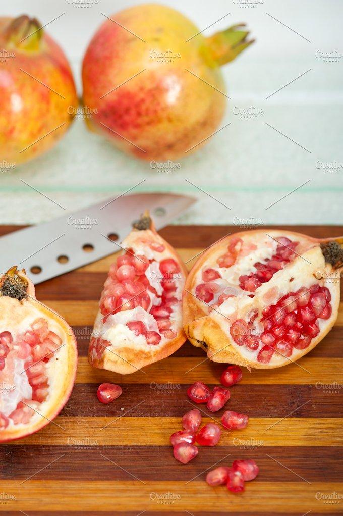 pomegranate 005.jpg - Food & Drink