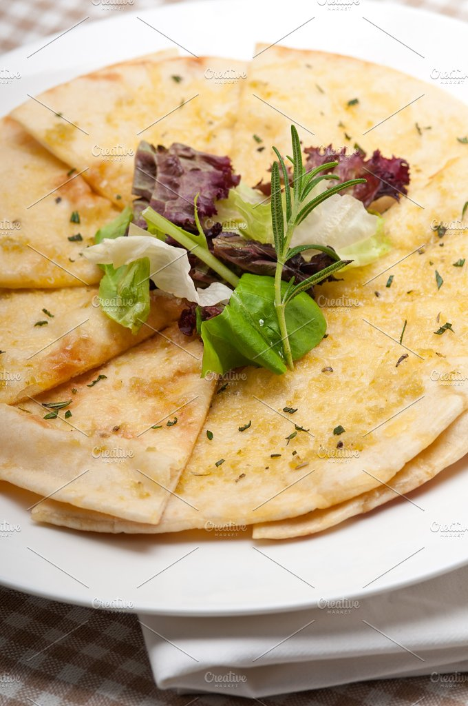 pita bread 27.jpg - Food & Drink