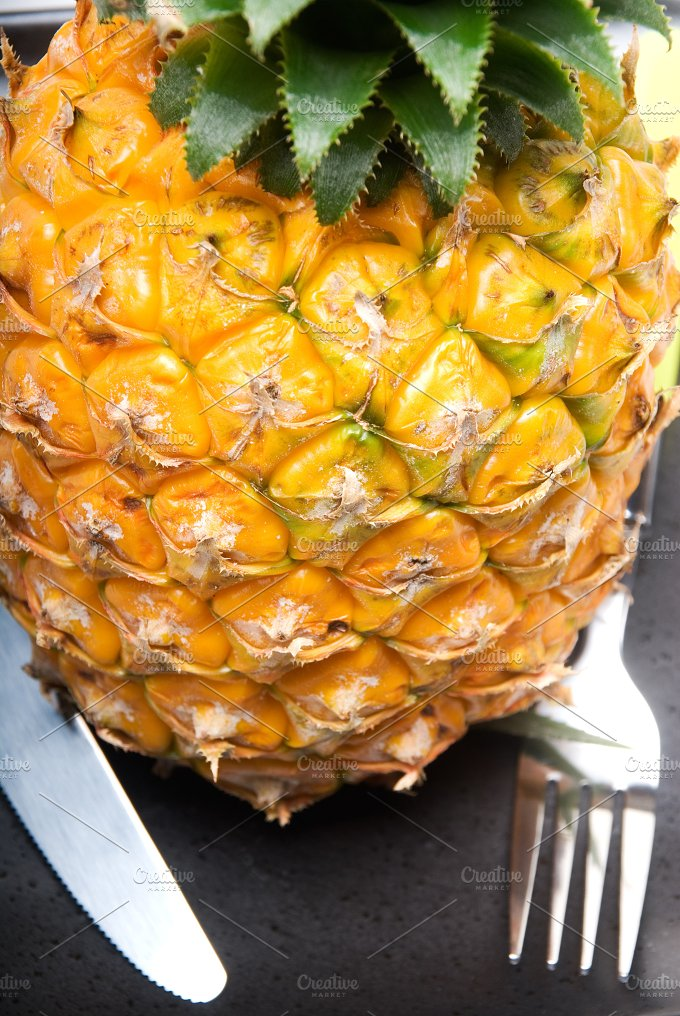 PINEAPPLE 6.jpg - Food & Drink